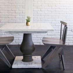 pedestal-table-at-lotus